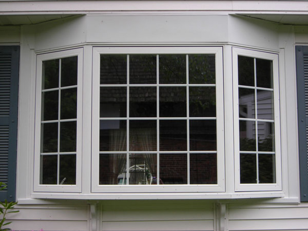 Installing replacement windows louisville ky classic for Home with windows