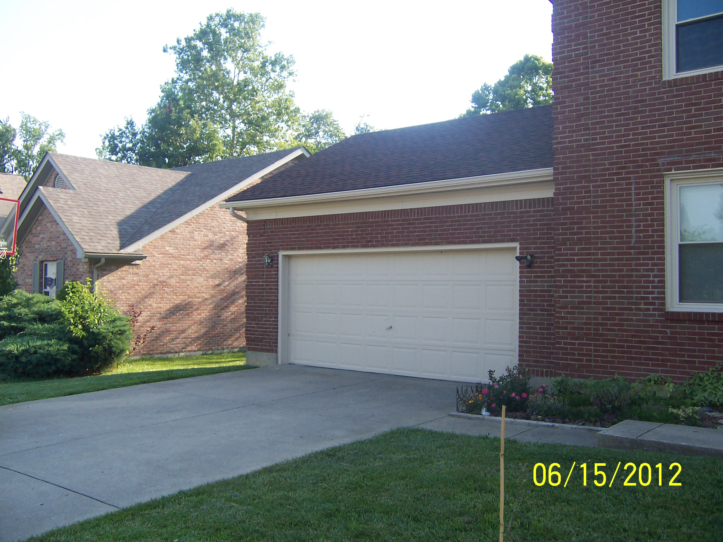 Vinyl siding and soffits gallery louisville ky classic for Classic house vinyl
